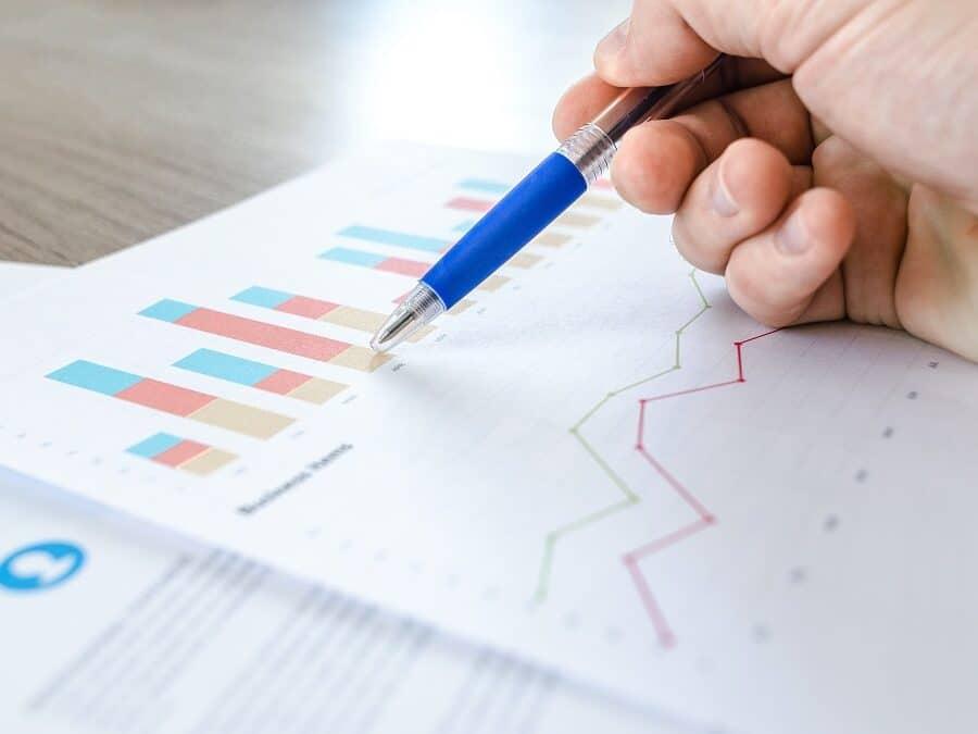 Analysing Graphs and Statistics